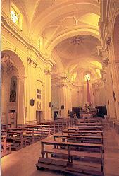 interno chiesa collegiata
